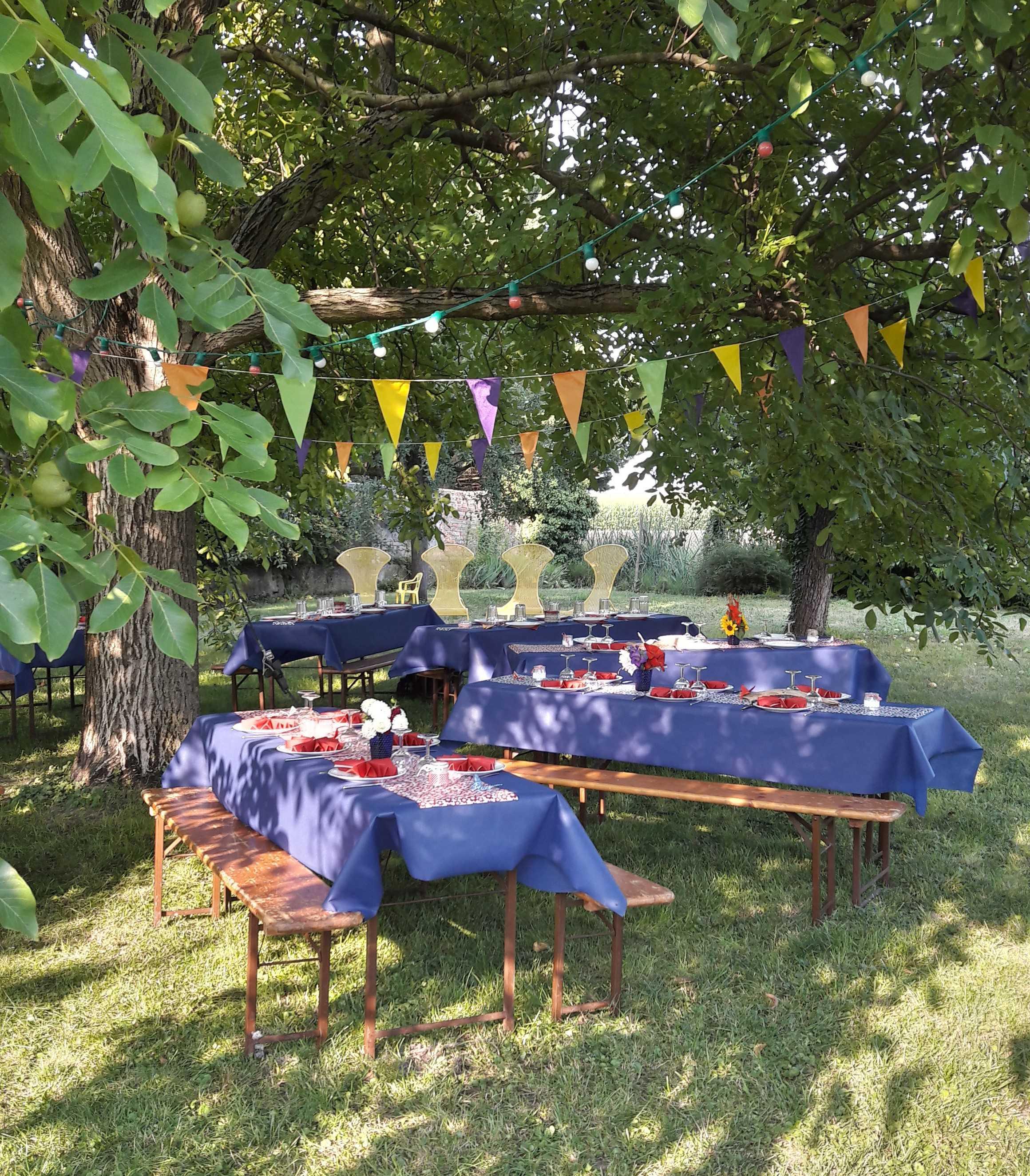 Strass Events .eu organise votre fête dans votre jardin